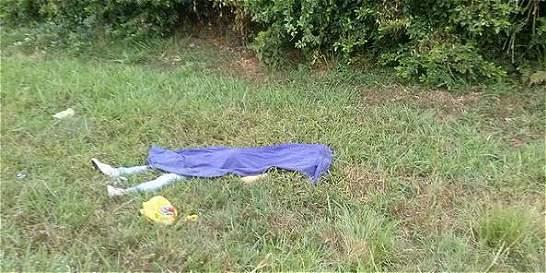 Hallan muerta a una adolescente en carretera del Valle