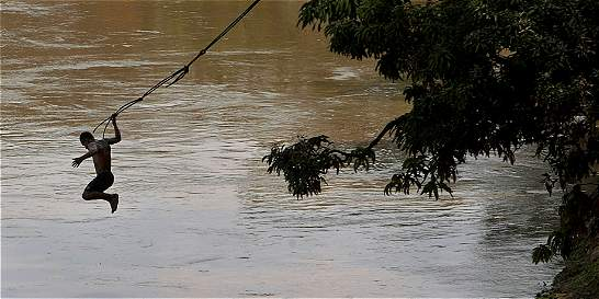 Alarma por peligrosos chapuzones en Cauca