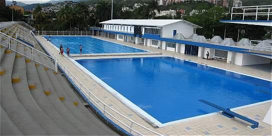 Cierre de emergencia de piscinas mundialistas Alberto Galindo en Cali