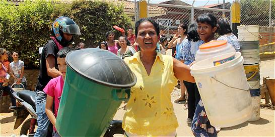 Habitantes de la comuna 18 denuncian que a sus barrios no llega agua