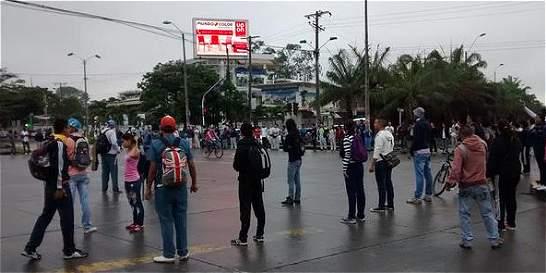 Disturbios de estudiantes de Univalle generaron caos vial