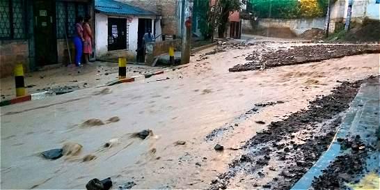 Lluvia ocasionó inundaciones en Alto Nápoles, en el oeste de Cali
