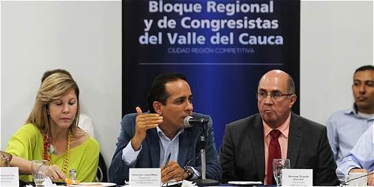 Gobernador pide a congresistas gestionar recursos para HUV