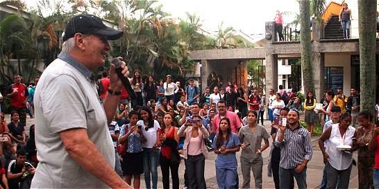 La salsa de Adalberto Santiago, para alivio al Hospital Universitario