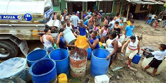 Sin servicio de agua por cambio de válvulas en áreas del Distrito