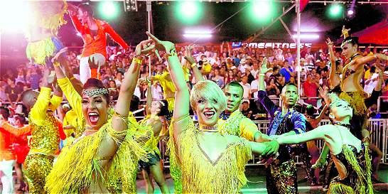 La industria se abre paso a punta de baile y ritmo salsero