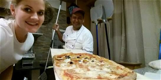 El tulueño que enseña a hacer pizza en Italia
