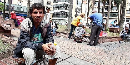 Reciclador de Cali halló 'guaca', regaló plata y luego lo robaron