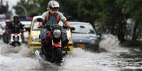 Fuertes lluvias en Cali dificultan la movilidad