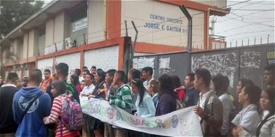 Protesta estudiantil contra el 'Día E' del Ministerio de Educación