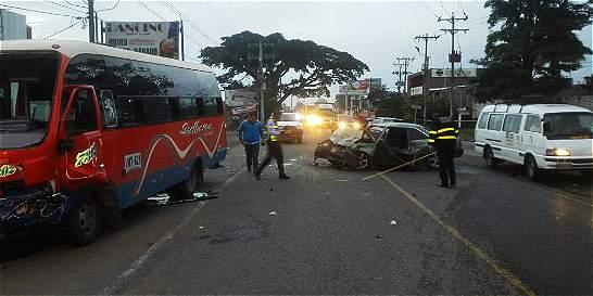 Un muerto y seis heridos en accidente en vía a Candelaria, en Valle