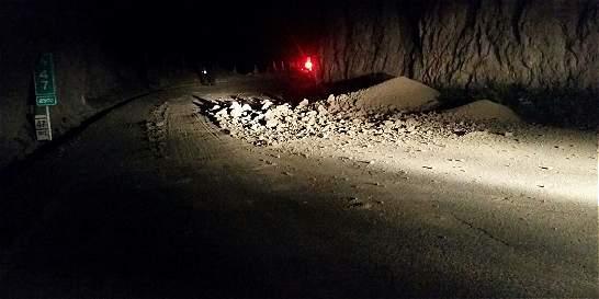 En derrumbe en Nariño muere un militar y siete resultaron heridos