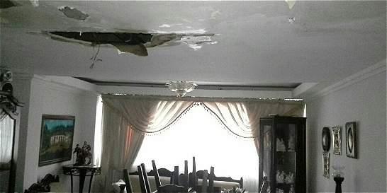 Emergencia en Cali por aguacero que se llevó techos e inundó calles