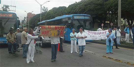 Trabajadores del Hospital Universitario del Valle, 85 días sin salario