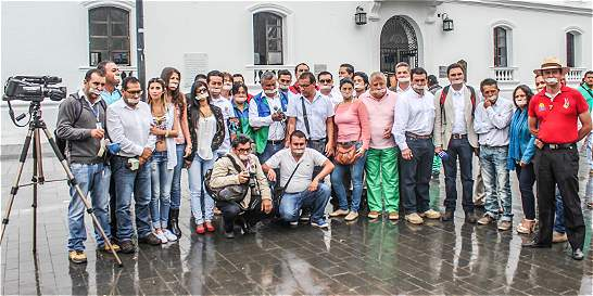 Plantón de periodistas en Popayán por libertad de sus colegas