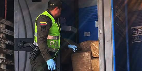 Tres capturados en decomiso de marihuana en baños portátiles en Valle
