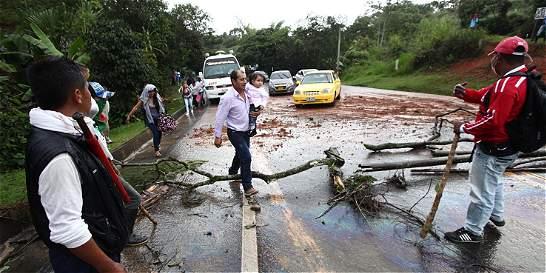 Bloqueo en el norte del Cauca afecta movilidad hacia el sur del país