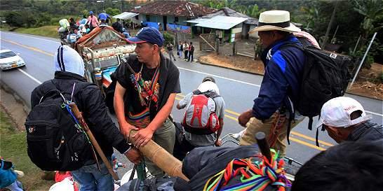Ataque de indígenas contra un bus en medio del Paro Agrario en Cauca