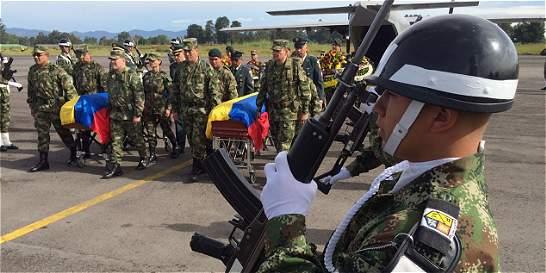 Llegan a Popayán cadáveres de dos militares muertos en helicóptero