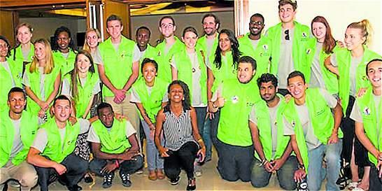 Llegan de África, Asia y Europa a enseñar inglés en Cali