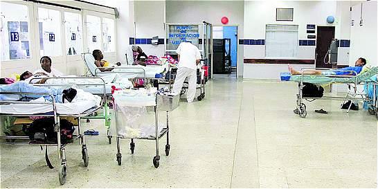 Investigan si hubo demora en atender a bebé que murió tras caída