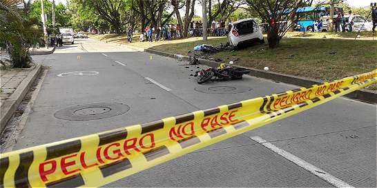 Tras atraco, una mujer arrolló a motociclistas en Cali