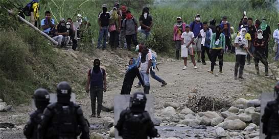 Un indígena y un policía heridos durante disturbios en Corinto