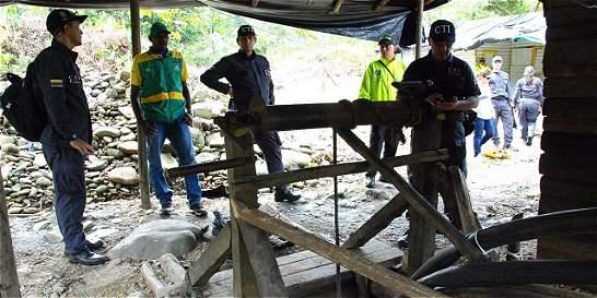 Minería ilegal en vía a Buenaventura sigue en aumento