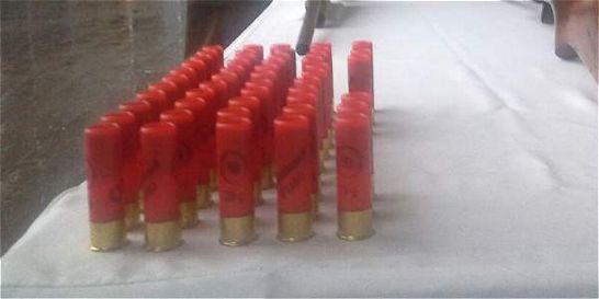 Policía del Valle decomisó armas y municiones que iban a Buenaventura