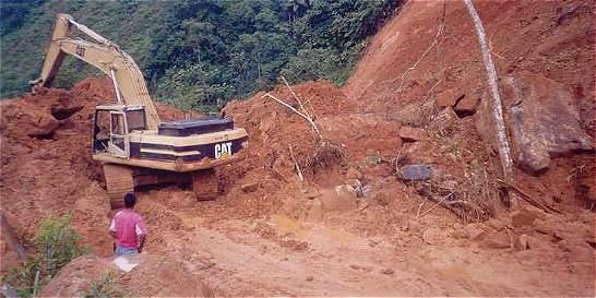 Por deslizamientos cierre de vía de Popayán a Pasto