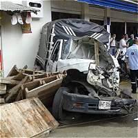 Fatal accidente deja un muerto y dos heridos en Alto Menga