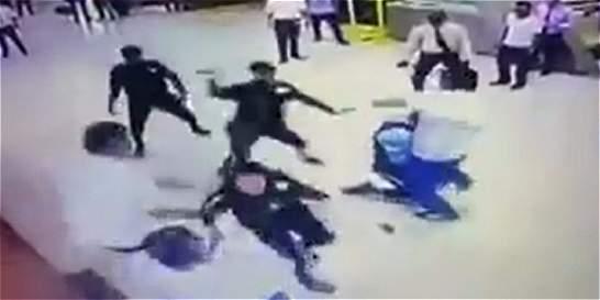 Bochornosa batalla campal en terminal de transporte de Cali