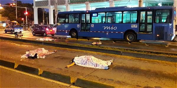 Bloquearon carriles del MÍO con protesta por intervención del HUV