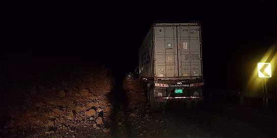 Susto de camionero en la vía Buenaventura