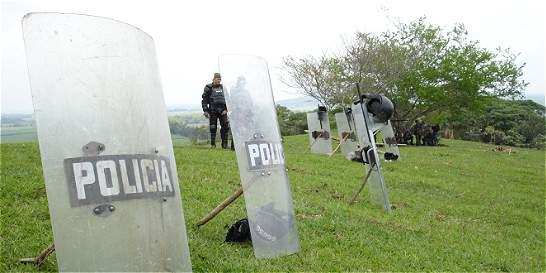 Indígenas retienen a dos policías y a un civil en resguardo del Cauca