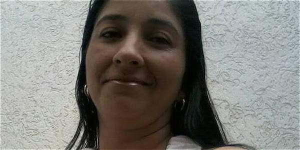 María Elena Tello Chuchoque fue asesinada mientras salía de su casa en el barrio los Alpes de Roldanillo.