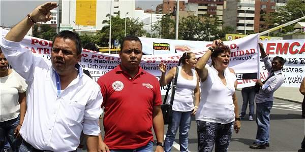 Sindicalistas han protestado en el pasado, exigiendo respeto a derechos humanos y al trabajo.