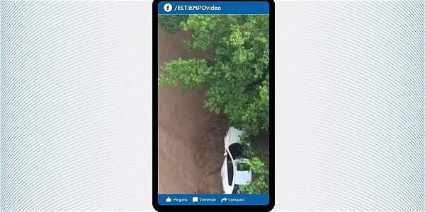 Lluvias en Cali dejan dos muertos y derrumbes en zonas de ladera