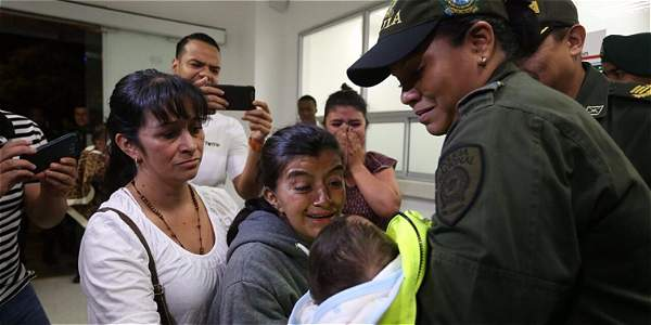 Policía rescata a bebé raptada en centro de Cali