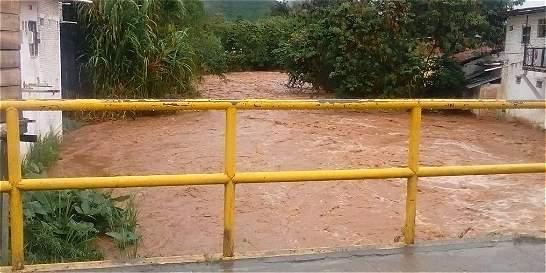 Lluvias causan más de un apuro en el Valle