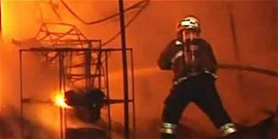Susto en la noche de Navidad por incendio en una casa en Cali