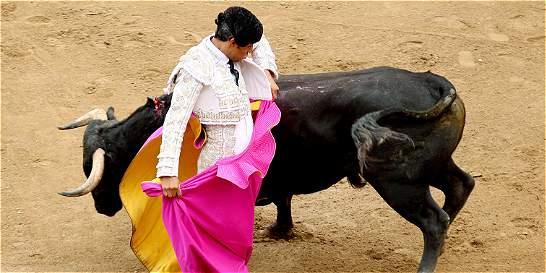 Luis Bolívar manda en la plaza de toros de Cali