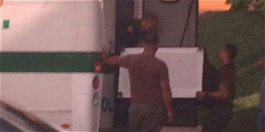 Investigan policías de Cali por llevar trasteo en un CAI móvil