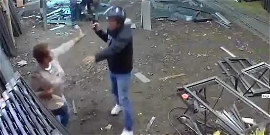 En video: mujer se enfrenta y persigue a un asaltante en Popayán