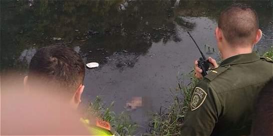 Encuentran bebé en canal de aguas residuales de Cali