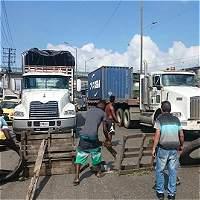 Gobernadora del Valle pide más carrotanques por crisis en Buenaventura