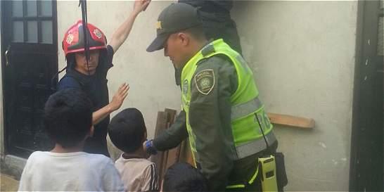 Rescatan seis niños que permanecían encerrados en El Delirio