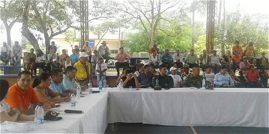 Mapiripán reclama que le construyan vías