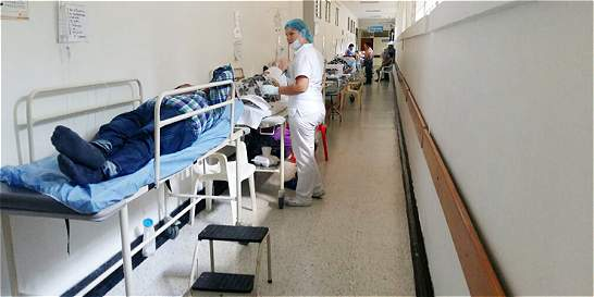 Crisis: No hay camas para tanta gente en el Hospital de Villavicencio