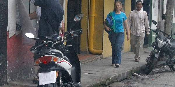 fad1932885b A motociclistas que tapan la placa les va a salir costosa la trampa ...